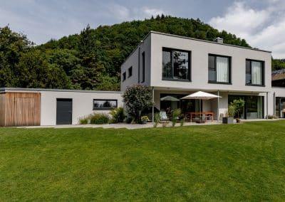 EVH Partnerschaft Erne Vogel Hug Architekten aus Freiburg Ebnet Einfamilienwohnhaus mit Garage in Freiburg Ebnet